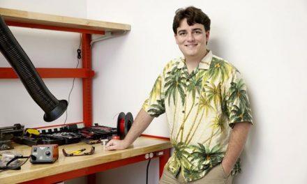 """Palmer Luckey będzie wspierał twórcę hacka """"Revive"""" kwotą 2000 dolarów miesięcznie"""